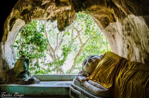 Reclining Buddha Khao Pina